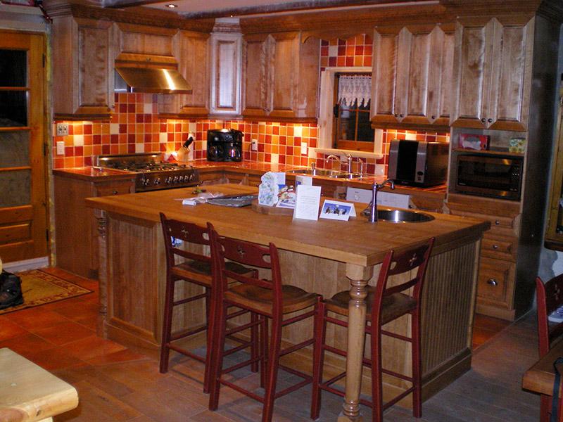 Cuisine en bois fabrication for Fabricant de cuisine